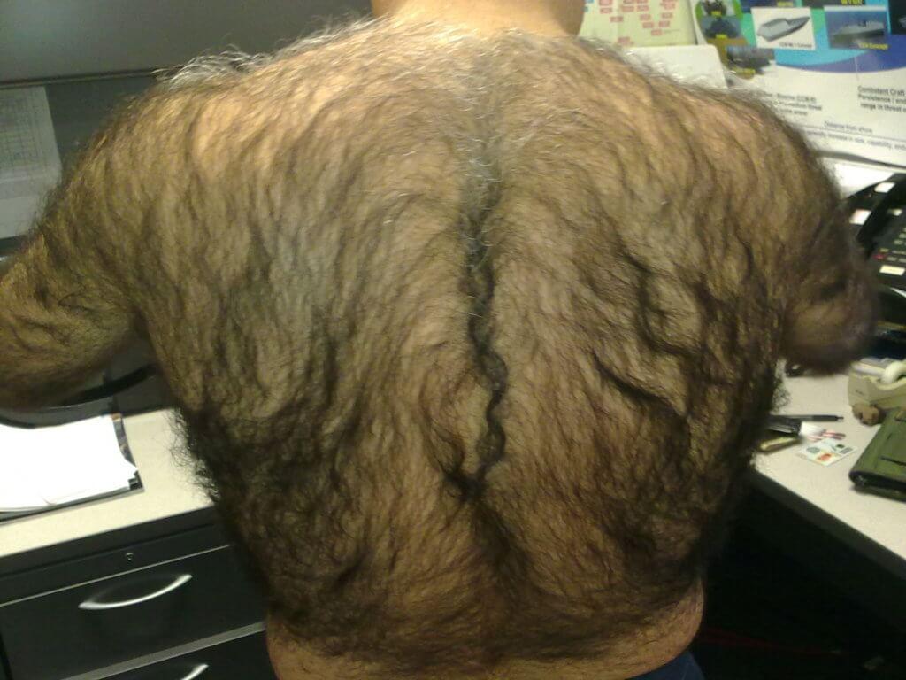 Волосатой фото с мужик спиной