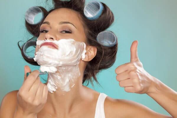 способы убрать волосы на лице