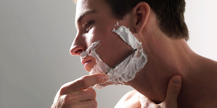 бритье опасной бритвой
